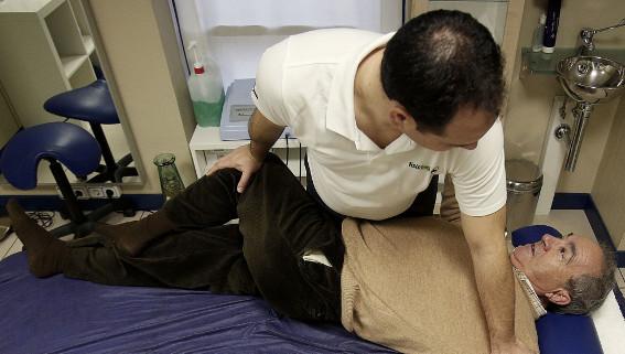 Los ejercicios fisioterapéuticos ayudan a recupera la movilidad