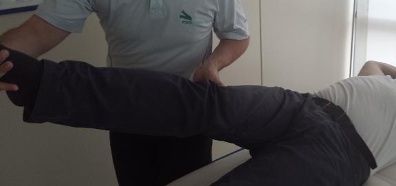 Reactivar la circulación sanguínea de la zona de la cadera es otro de los beneficios de los masajes.