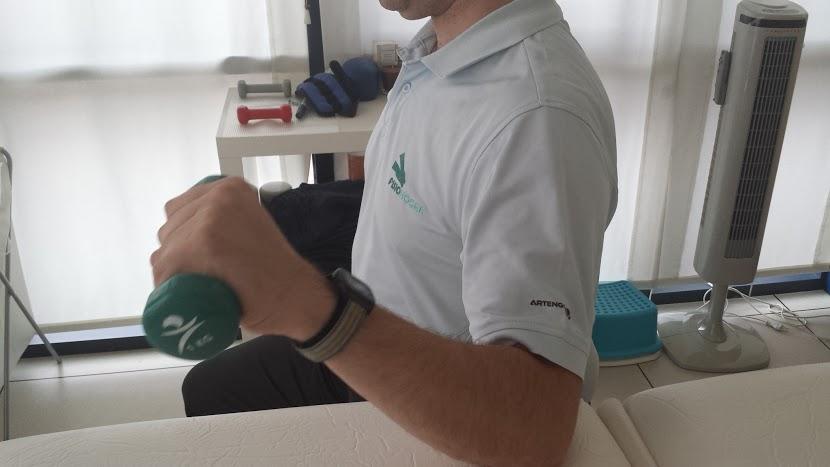 Ejercicios de Fisiohogar para pacientes con prótesis de hombro
